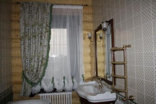 shtory-dlya-vannoj-v-orenburge (7)